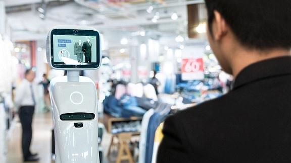 AIが人手不足を解消? 小売業に特化したAI接客システムで、多言語対応で外国人の接客も可能に